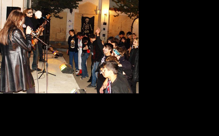 A rock gig in Dushanbe. (Photo: Maina Schwarz)
