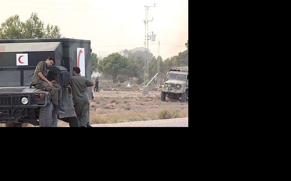 A field ambulance deployed near Kasserine. (Photo: Ezer Mnasri)