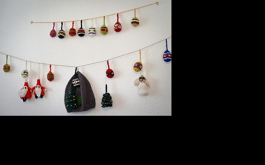 Examples of handicrafts the women make for sale. (Photo: Sanja Vrzić)