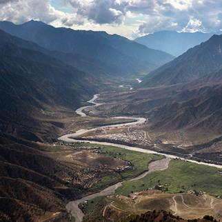 The Kunar river winds through a valley in the northeastern province. (Photo: John Moore/Getty Images)