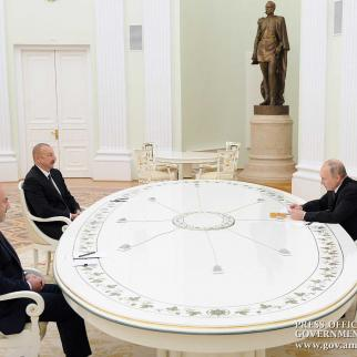 President Putin, President Aliyev, and Prime Minister Pashinyan meet to discuss the unblocking of transit routes.