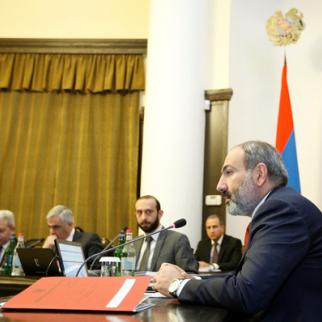 A cabinet meeting held to discuss the referendum. (Photo: Press Office of the Government of Armenia)