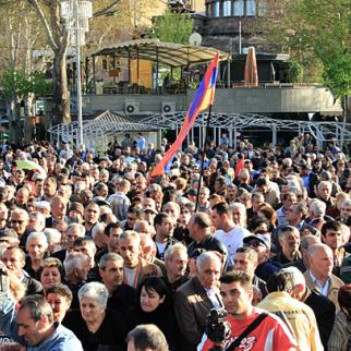 Armenians are becoming increasingly vocal in their calls for change. This is a rally of the opposition Armenian National Congress. (Photo: Arka news agency)