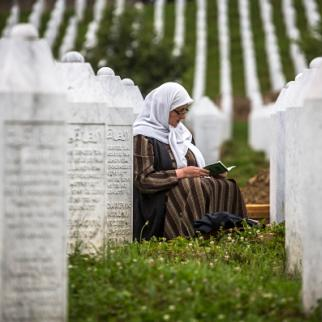 A mourner at the Potocari cemetary near Srebrenica, July 9, 2015. (Photo: Matej Divizna/Getty Images)