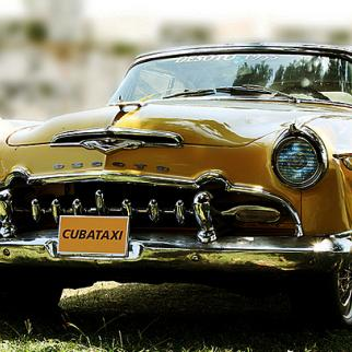 A particularly well-kept example of the 1950s American cars used as taxis in Cuba. (Photo: Matthias Schack/Flickr)