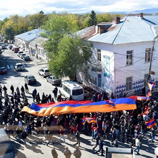 A Pro-Armenia march in Akhalkalaki, Georgia. (Photo: Kristine Marabyan)