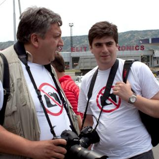 Georgian photographers protesting over the arrest of four of their colleague. (Photo: Giori Kupatadze)
