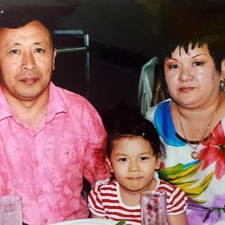 Kairat Baitolla-Uly (left) arrived from China in 1998, and now works on behalf of returning Kazak diaspora members like himself. (Photo: Gaziza Baituova)