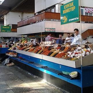 Market stalls at Green Bazaar, Almaty, Kazakstan. (Photo: Gaziza Baituova)