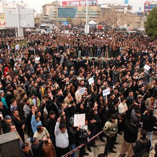 Hundreds of people demonstrate outside of the Kurdistan Democratic Party offices in Sulaimaniyah on February 17. (Photo: Sartep Osman/Metrography)
