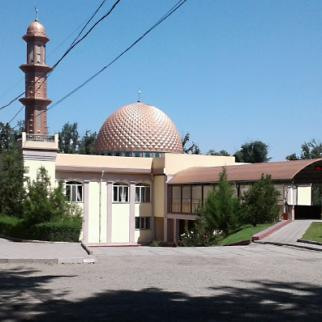 A mosque in southern Bishkek hosts educational lectures for women. (Photo: Almazkan Akmatova)