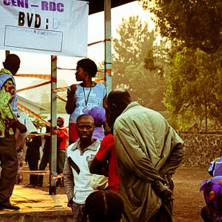 People have been waiting to vote since 5.30 in the morning at one of the main polling stations in Goma, located at the Faraja Institute. (Photo: Mélanie Gouby)