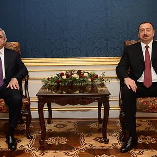Armenian president Serzh Sargsyan (left) meeting his Azerbaijani counterpart Ilham Aliyev in Vienna on November 19. (Photo: Armenian president's website.)