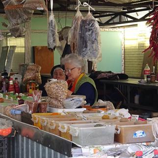 An open-air market in Tskhinvali. (Photo: Irina Yanovskaya)