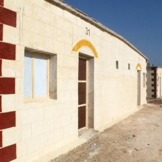 Mud housing units for Syria's internally displaced. (Photo: Sonia al-Ali)