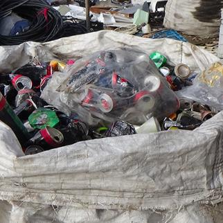 Rubbish recycled every day. (Photo: Maher al-Omar)