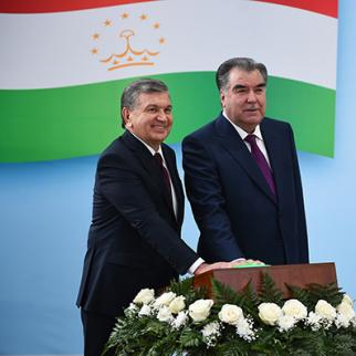 President of Uzbekistan, Shavkat Mirziyoyev (left) with Emomali Rakhmon, Tajik President. (Photo: Press service of President of Republic of Tajikistan)