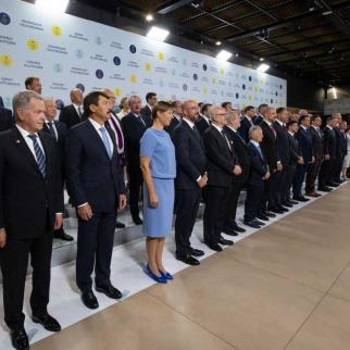 World leaders pose together at the Crimean Platform summit.