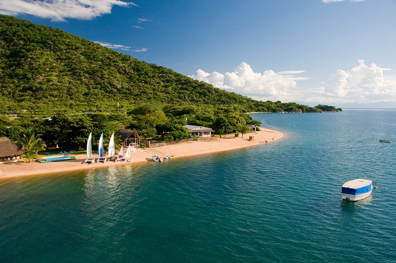 PLACES-TO-VISIT-IN-LAKE-MALAWI