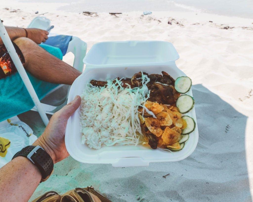 beach-food-in-veradero