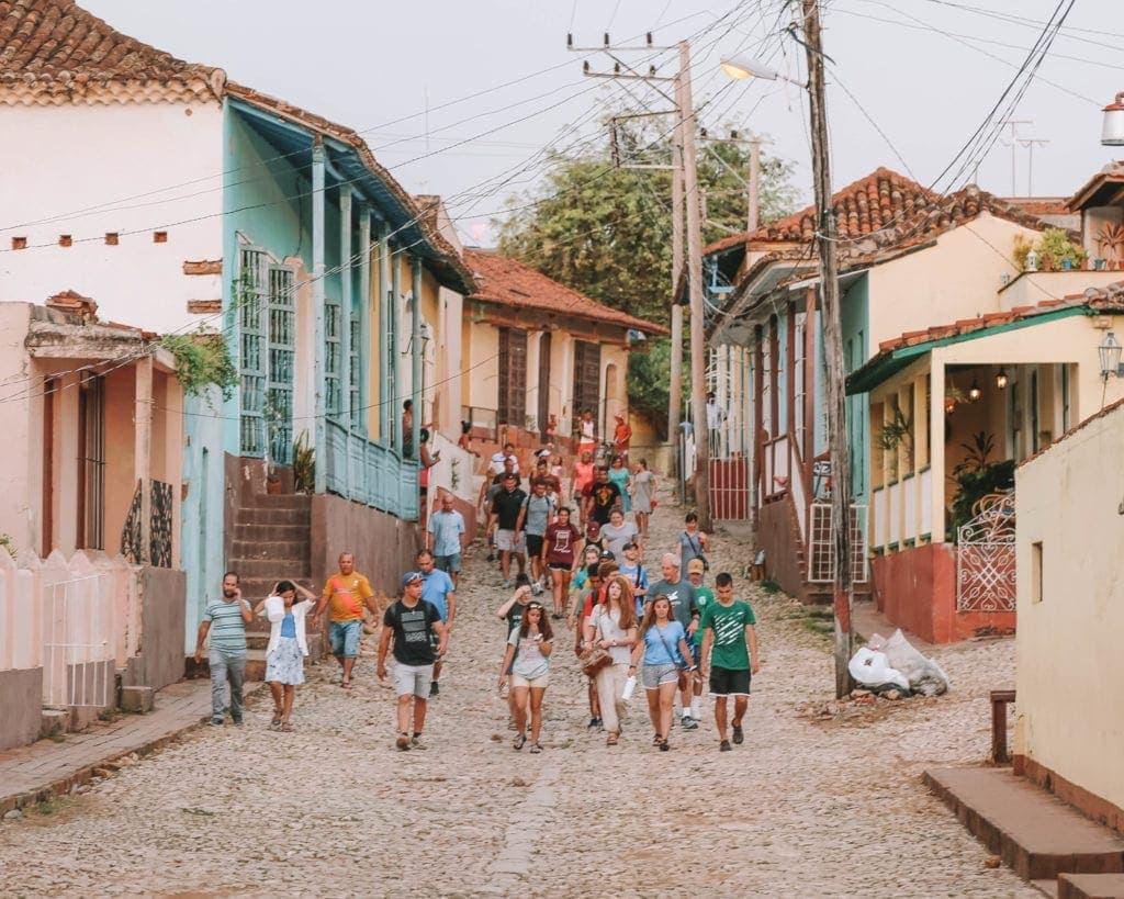 tourists-in-trinidad-cuba