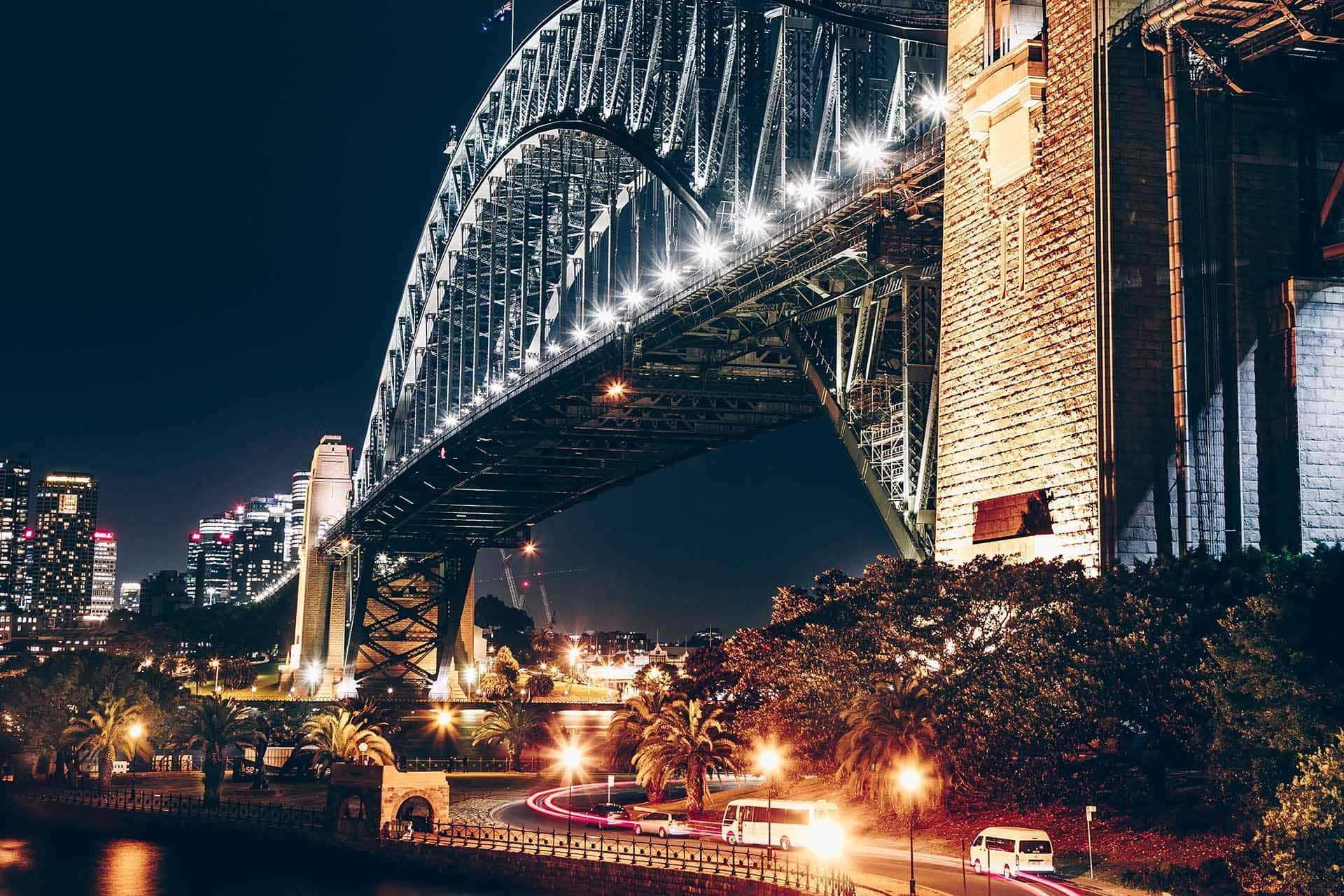 27 Beautiful Things To Do In Sydney At Night (For Couples)