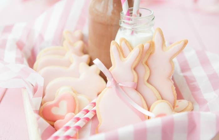 how to make strawberry sugar cookies for easter feature