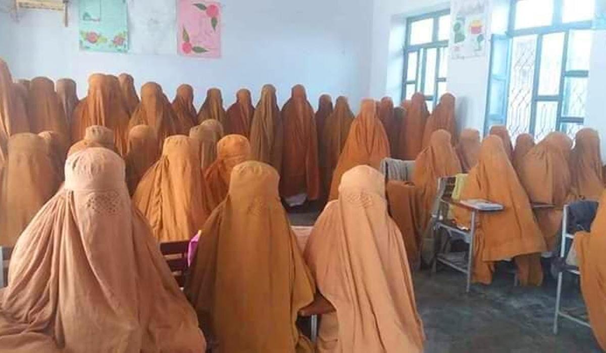 burqas to mardan school girls