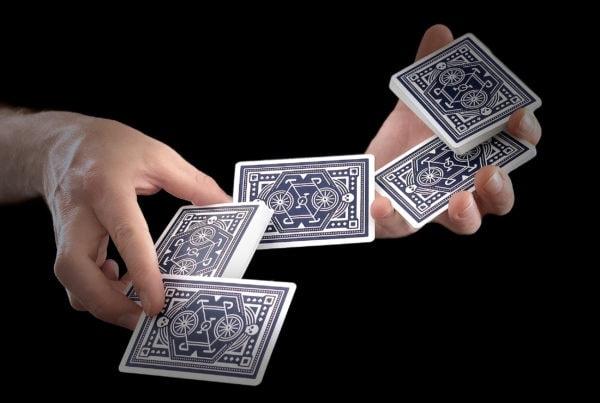 magician.cardist