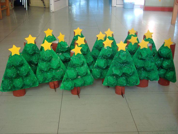 Arbolitos de navidad con carton de heuvo
