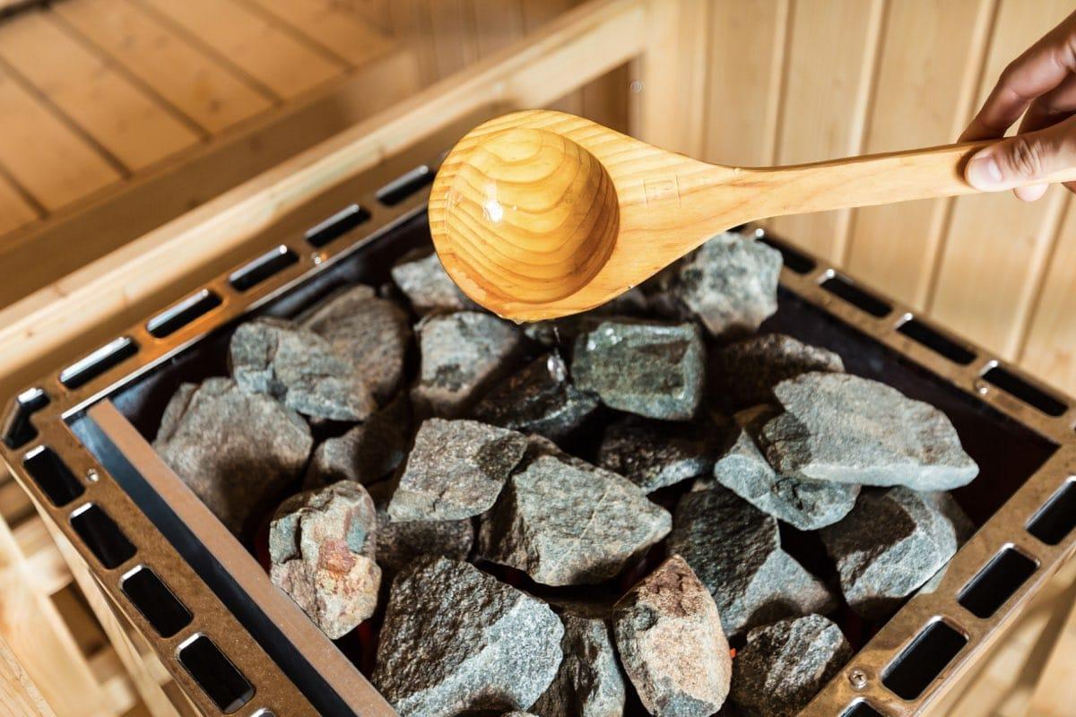 Can a sauna cure a hangover?