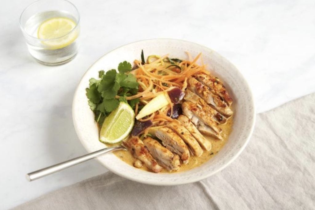 Ginger chicken and coconut broth with vegetable noodles