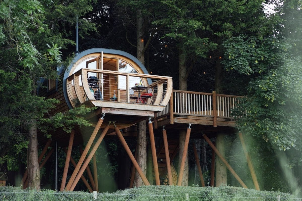 Dabinett Treehouse - best treehouse retreats