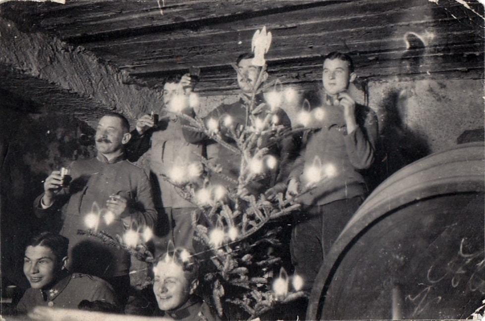 Weihnachten 1917 in einem deutschen Unterstand