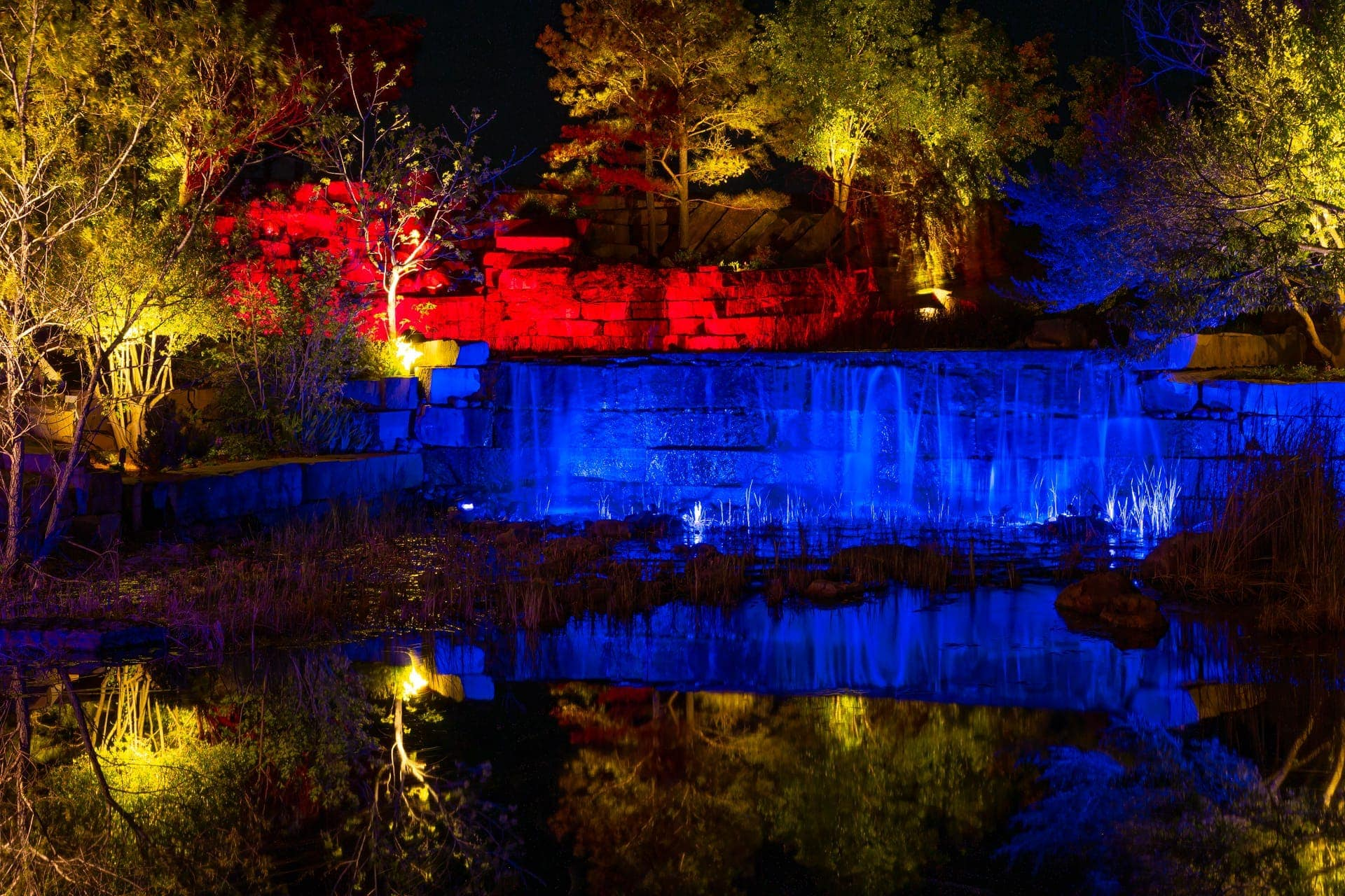 Esperanza Ranch Waterfall in Red & Blue