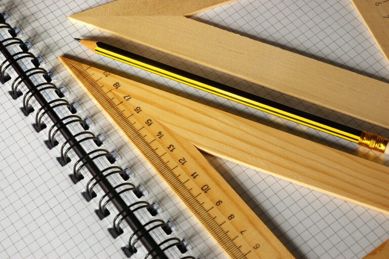 Pencil Ruler Notebook Paper - ds_30 / Pixabay