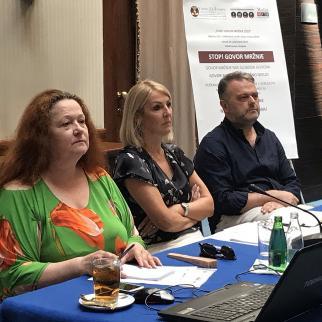 Adis Hasakovic (right) and Merdijana Sadovic (middle) at a round table in Sarajevo
