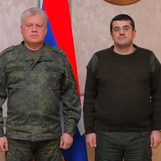 The Deputy Commander of Russia's peacekeeping forces, Dmitry Shuvarkin's meeting with Araik Harutunyan, president of the unrecognised Republic of Nagorno-Karabakh. (Photo: Arayik Harutyunyan/Facebook)
