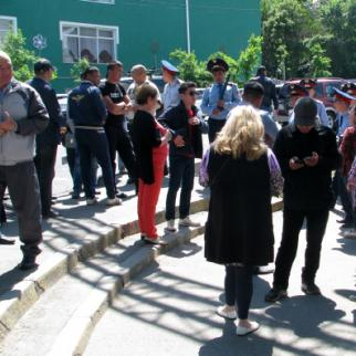 People gathering for the protest near Respublika Square in Almaty on May 21. (Photo: Andrei Grishin)