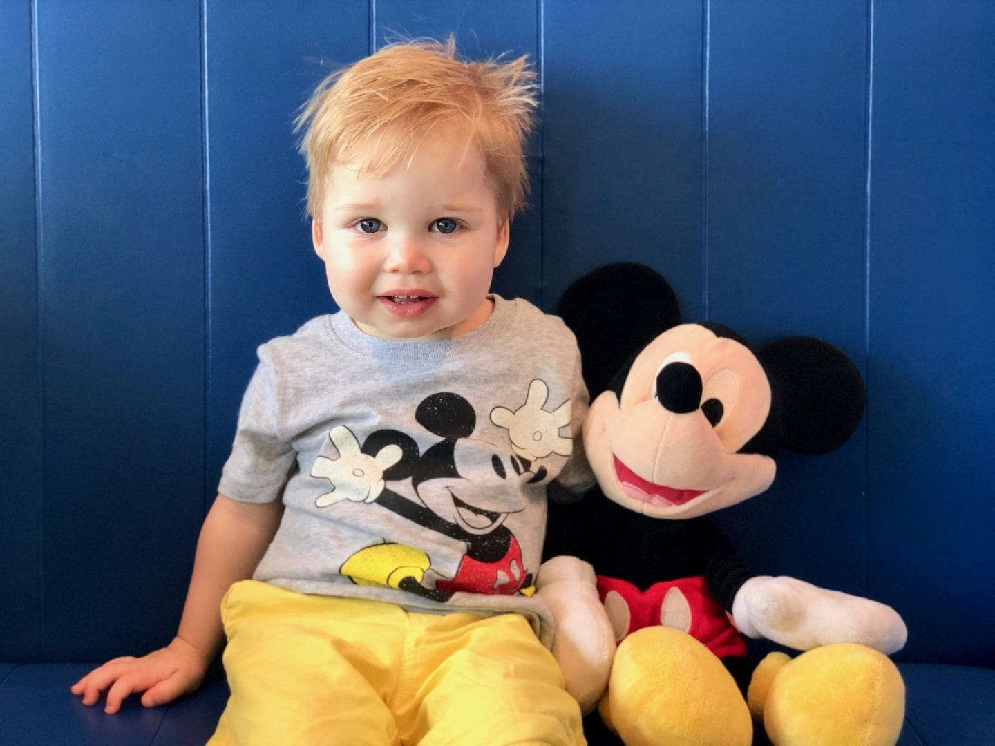 people mover in Tomorrowland at wdw magic kingdom toddler boy