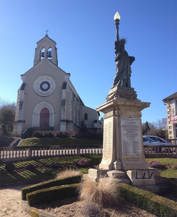 Saint-Germain-la-Forêt-statue-of-liberty