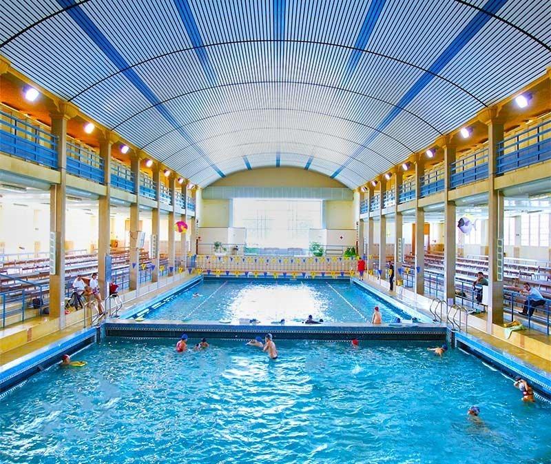 Nakache hiver, indoor public pool open in the winter
