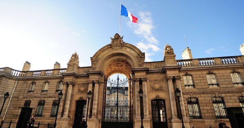Paris-French-presidents-house-Rue-du-Faubourg-SaintHonore
