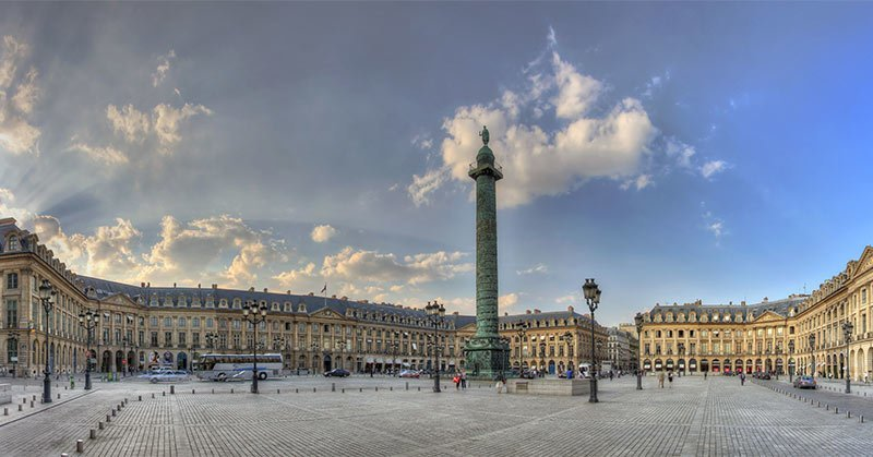 place-vendome in Paris is a popular shopping area known for it's jewellery stores