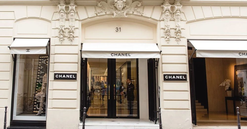 Chanel is located on the shoping street rue-saint-hornore