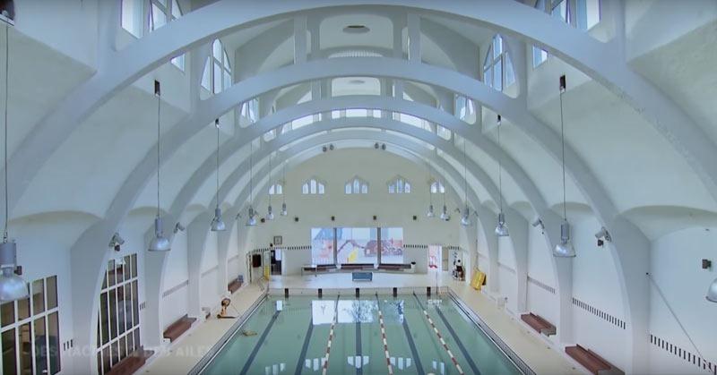 Paris public pool Butte aux Cailles interior