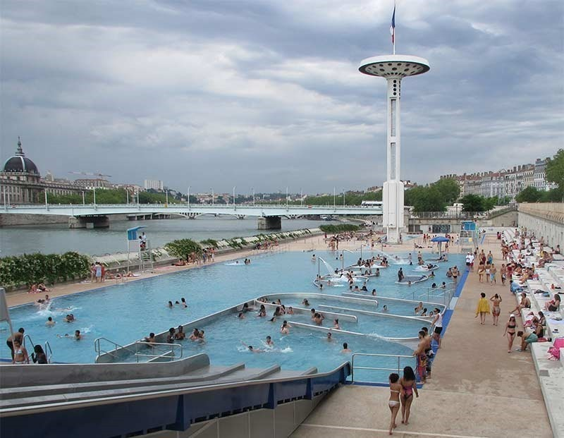 public-pool in Lyon Tony Bertrand