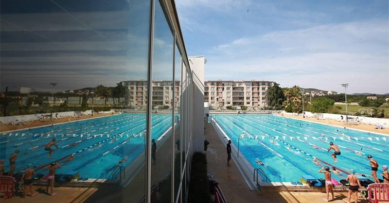 Public pool on the French Riviera in Hhyeres