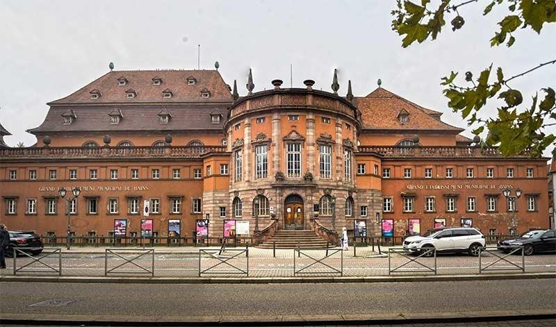 Les bains municipaux de strasbourg public pool and bath building
