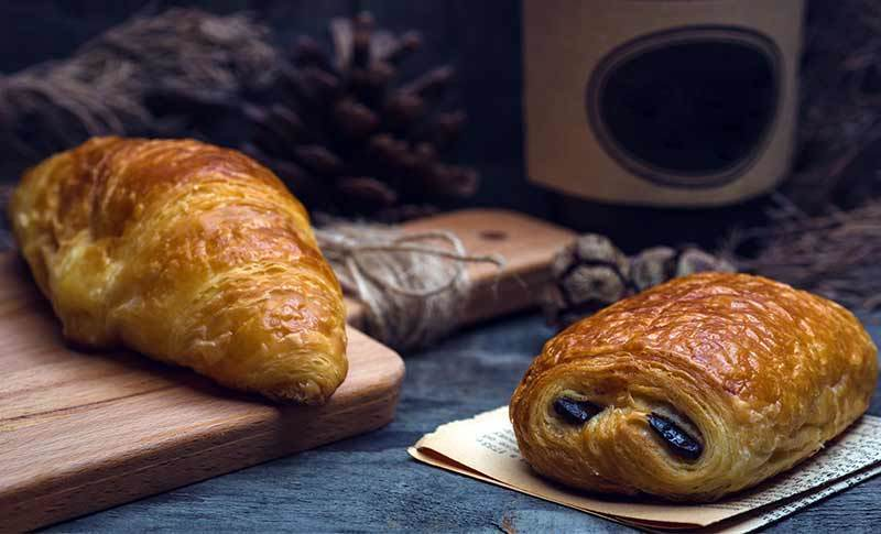 Pain au chocolat and croissant